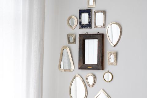 Mirror workshops and glassworks